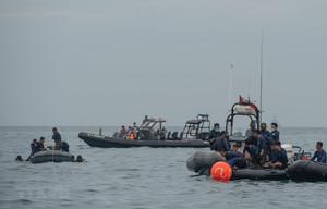 Vụ máy bay rơi ở Indonesia: Hy vọng vớt được 2 hộp đen trong ngày 11/1